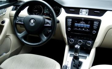 Hyundai Elantra ve Skoda Octavia