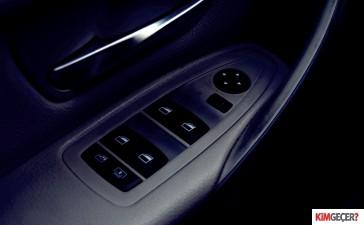 BMW320ivsmercedesc180