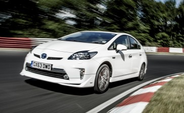 Toyotaprius0,34 litre/100km