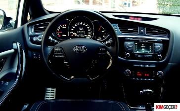 Kia Ceed vs Seat Leon