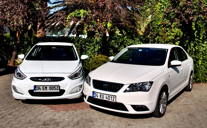 Hyundai Accent Blue ve Seat Toledo