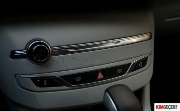 Peugeot-308-1.2-at
