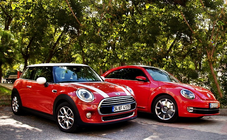 Mini Cooper ve VW Beetle