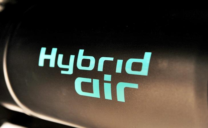 PSA'nın Hybrid Air projesi havaya mı karışıyor?