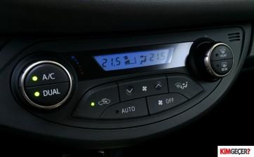 ToyotaYarisHybrid006