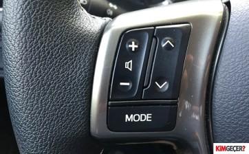 ToyotaYarisHybrid009