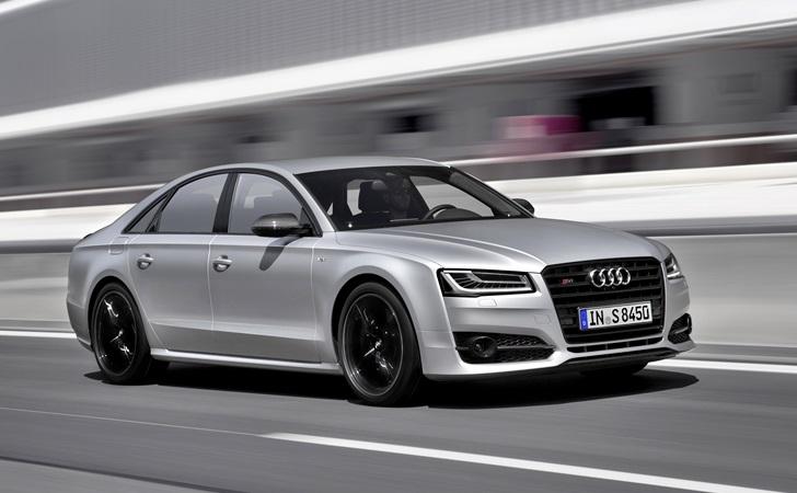 Uçak korkusu olan patronlara: Audi S8 plus