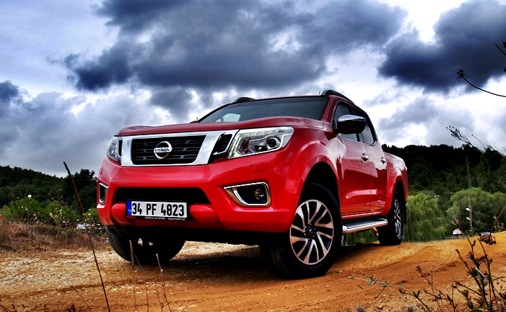 Nissan Navara 4×4 AT
