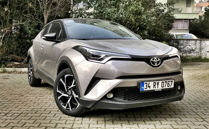 toyota c-hr yorum test