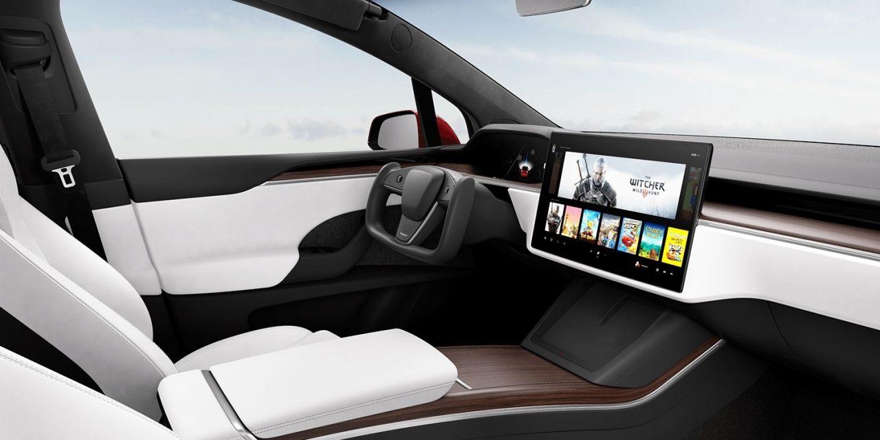 8 yıl sonra gelen makyaj: Tesla Model S