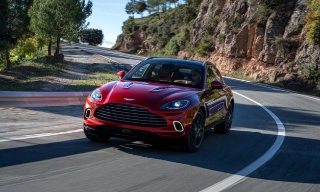 Ve işte karşınızda: Aston Martin DBX
