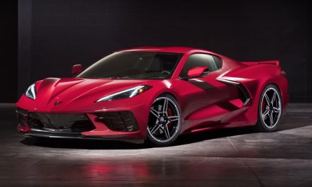 Ortadan motoruyla karşınızda: Chevrolet Corvette Stingray