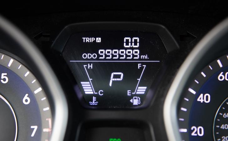 Hyundai Elantra ile 1 milyon 600 bin km