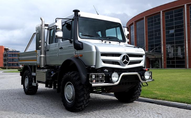 Sivili geldi: Mercedes Unimog