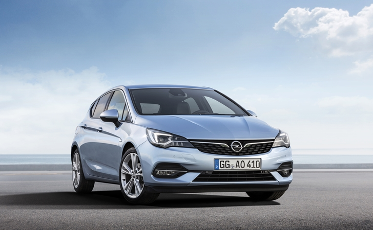 Fiyatı belli oldu: Makyajlı Opel Astra
